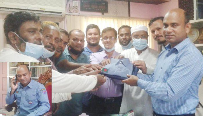 রামগতিতে উপজেলা নির্বাহি কর্মকর্তাকে স্কাউট ড্রেস প্রদান